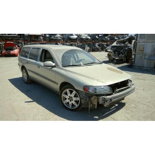 2001 Volvo V70 Transmission: Silver With Tan Interior, 5